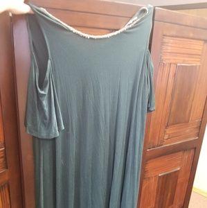 Jennifer Lopez Dress with cold shoulder embellis